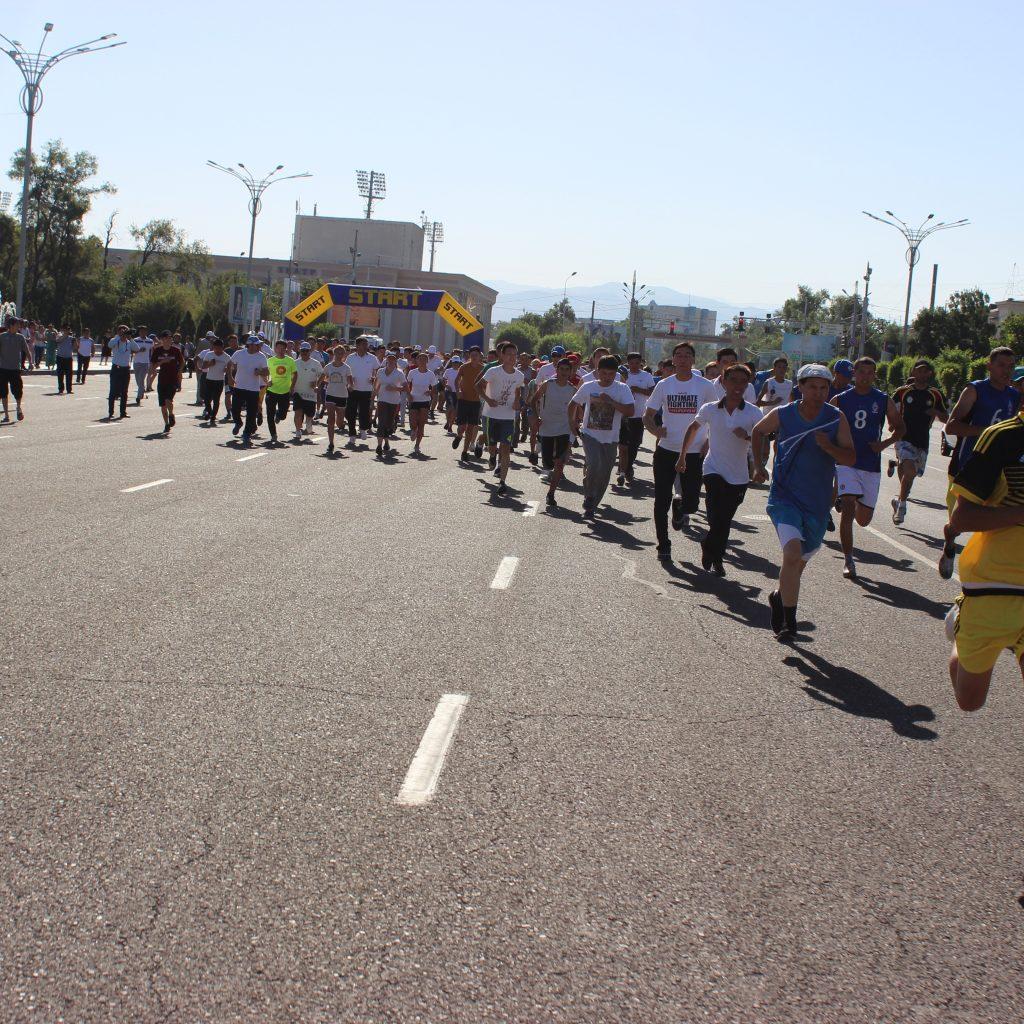 легкоатлетический забег в Таразе