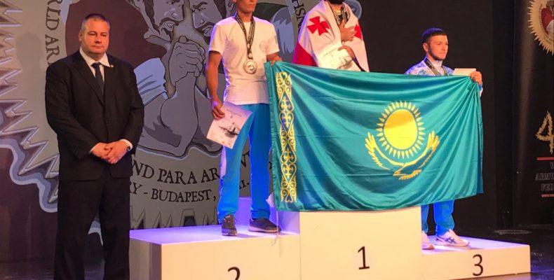 8 золотых медалей завоевали жамбылцы на чемпионате мира по армрестлингу