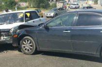 Водитель «Жигулей» врезался в «Тойоту Камри»