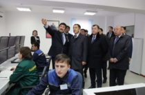 Премьер-Министр Казахстана осмотрел таразский химзавод и родильный центр