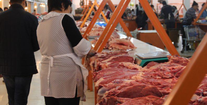 Большие аппетиты перекупщиков диктуют цены на товары