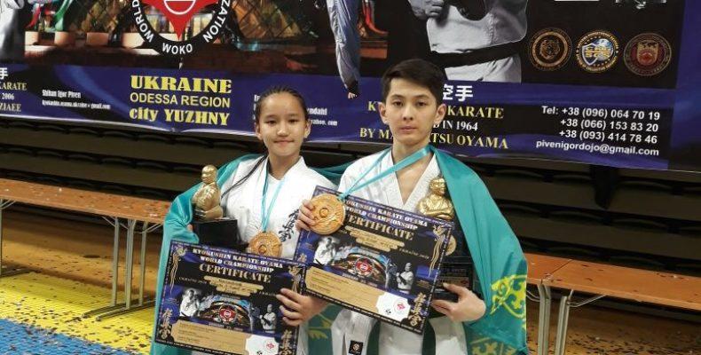 Россыпь медалей везут с чемпионата мира казахстанские каратисты