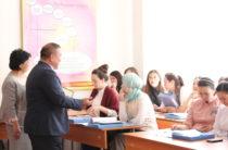 Аким Мойынкумского района готов оплачивать учебу будущих учителей своих школ