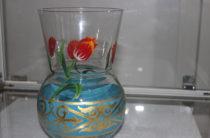 Мастера венецианского стекла подарили Таразу украшенный золотом тюльпан — символ города