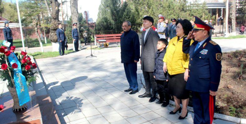 В Жамбылской области почтили память Халык КаһарманыГазиза Байтасова