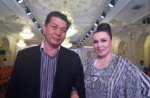 Майра Мухамедкызы заставила танцевать казахстанского кутюрье Айдархана Калииева
