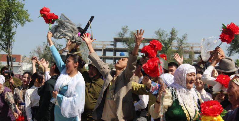 Фоторепортаж празднования 73-й годовщины Великой Победы в Таразе