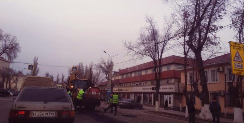 Просто жесть: раскрыт секрет ремонта дороги по улице Абая