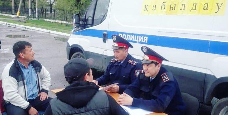«Приемная на дороге»: на 2 579 вопросов граждан ответили полицейские в Жамбылской области