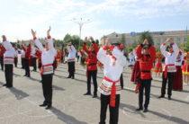 Страна готовится к большому параду