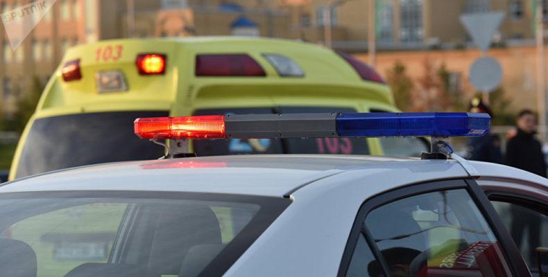 Жамбылские полицейские отговорили от прыжка со строительного крана подвыпившую женщину