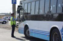 В Таразе задержан водитель маршрутного автобуса, лишенный водительских прав