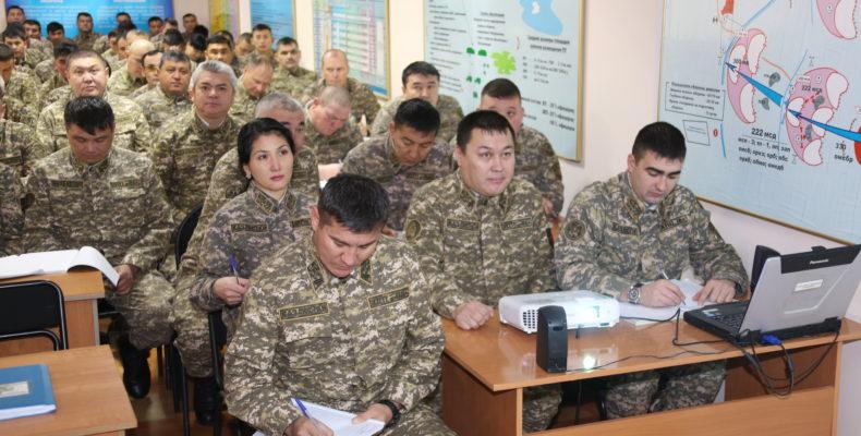 Армейцы сели за парты