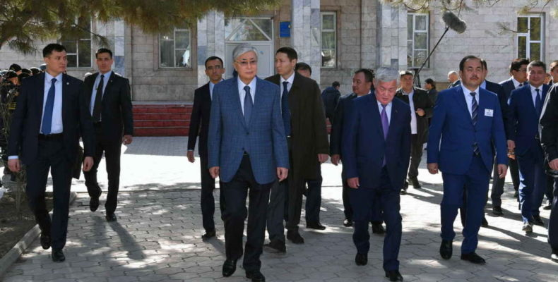 Аксакалы Кордая рассказали о своей боли Президенту страны
