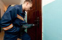 Жамбылские спасатели с начала мая вскрыли 20 дверей забывчивым горожанам