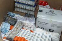 Лекарства от пневмонии и коронавируса раздают нуждающимся семьям в Жамбылской области