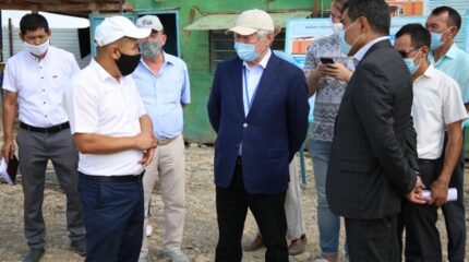 В Байзакском районе возводятся и ремонтируются социальные объекты