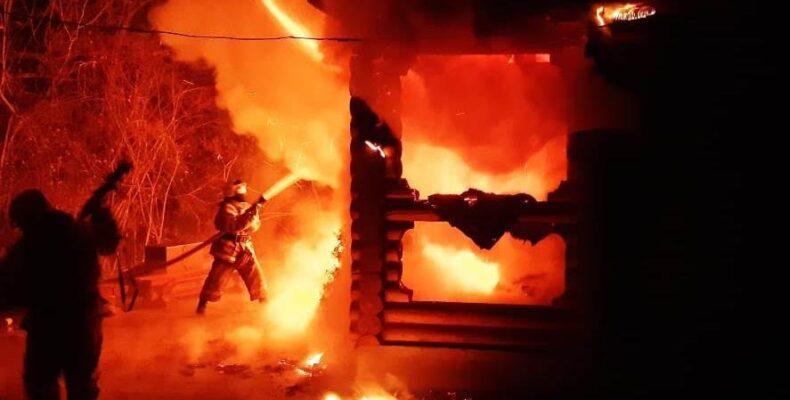 Тушение пожаров, эвакуация людей—как провелипраздничные дни жамбылские спасатели