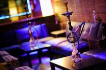 Любителей покурить кальян штрафуют в таразских кафе