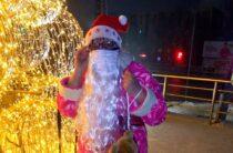 Как две бабушки в Таразе создавали праздничную новогоднюю атмосферу