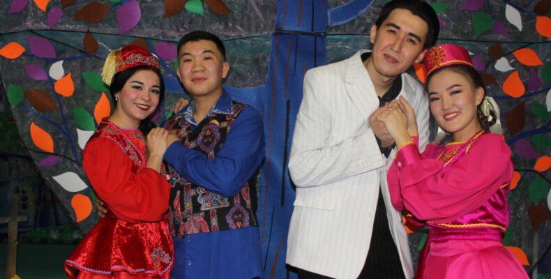 Как выбрать жениха по сердцу – премьеру доброй и светлой комедии показали в театре Тараза