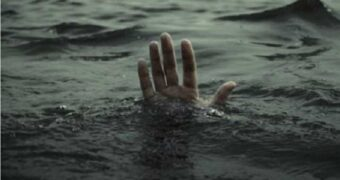 Жамбылский спасатель вытащил девушку из бурной реки Талас