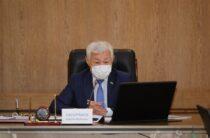 Бердибек Сапарбаев: детей на летние каникулы нужно отправить в село к бабушке и дедушке