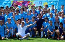 Международный День защиты детей: в команде с мастерами футбола играли жамбылские мальчишки и девчонки