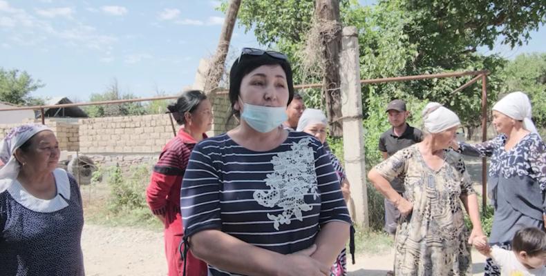 С места событий: Спор в селе Айша биби (видеоновости)
