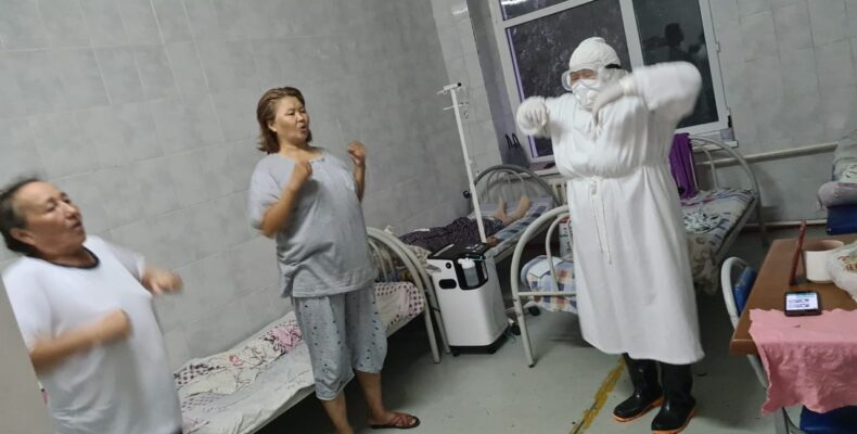 Эффективным методикам выздоровления при коронавирусной инфекции обучают жамбылские врачи