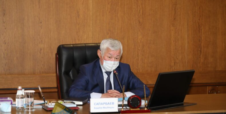Бердибек Сапарбаев: Акимам районов и сел нужно ответственно подойти к вопросу вакцинации