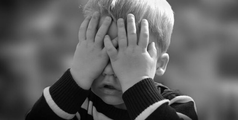Бетонная плита стала причиной гибели мальчика в Таразе