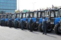 Сто новых тракторов отечественного производства получат жамбылские аграрии взамен старой техники