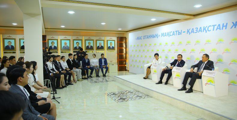 Что рассказал жамбылской молодежи первый заместитель председателя «Нур Отана» Маулен Ашимбаев