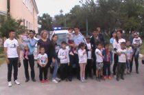 Подарками и экскурсиями для детей отметили Международный день семьи жамбылские полицейские