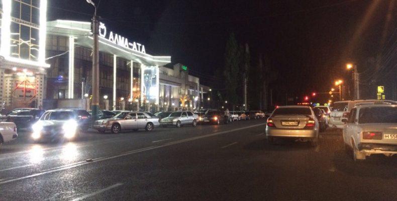 Главное — деньги? Таразские бизнесмены настроили ресторанов без парковочных мест