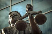 В Таразе проходит суд над полковником полиции, устроившим поножовщину