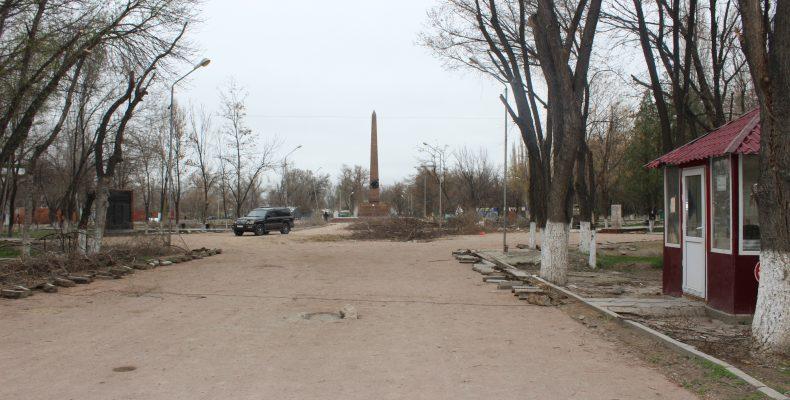 Гулять так гулять: таразцы возмущены ходом реконструкции парка, обошедшейся бюджету в 370 миллионов тенге