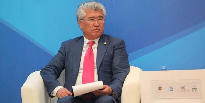 Министр культуры Арыстанбек Мухамедиулы пообещал блогеру разобраться с музеями