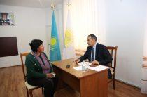 Проблемы уличного освещения, жилья и трудоустройства подняли жители Тараза на приеме у главы региона Аскара Мырзахметова