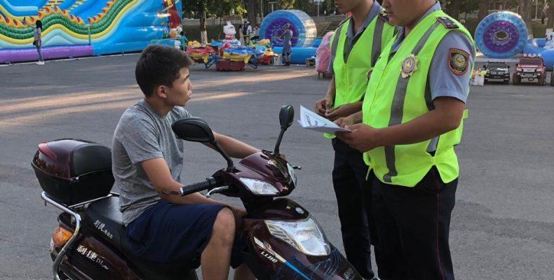 Как правильно кататься на скутерах — разъясняют полицейские