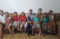 Голосуем за отца-полицейского, воспитывающего 11 детей