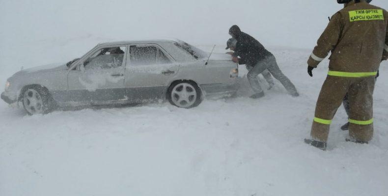 72 человека вызволили из снежного плена спасатели ДЧС Жамбылской области