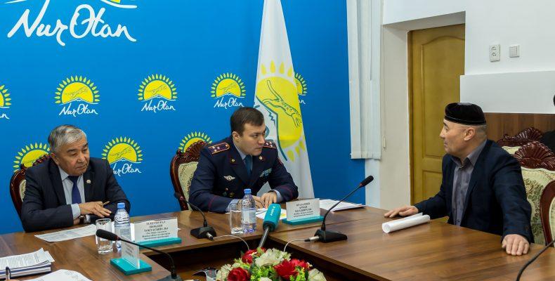 Начальник Департамента полиции принял граждан в областном филиале «Nur Otan»