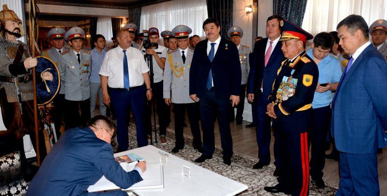 Жамбылские полицейские отмечают 25-летие казахстанской полиции