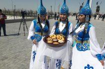 Автокараван, посвященный 350-летию Казыбек би, прибыл в Тараз