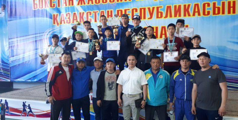 11 медалей на чемпионате республики по боксу среди юношей взяли жамбылцы