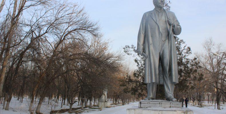Слухи о том, что Ленина в Таразе уберут на «задворки истории», не обоснованы
