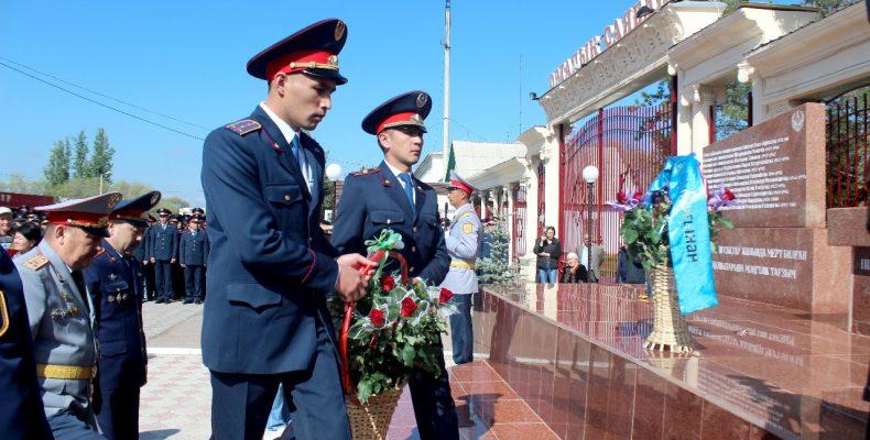 В Жамбылской области открыли памятник погибшим полицейским